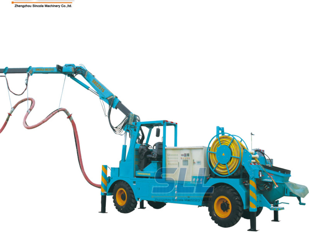 Wet concrete spraying system for tunnel